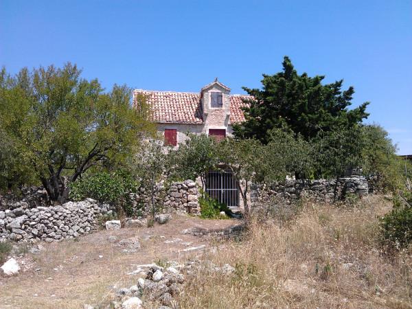 Dom na kopci, po ktorom je pomenovaná táto keška.