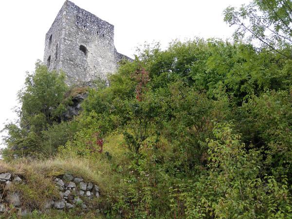 Hrad Strečno, respektíve jedna jeho veža, od kešky.