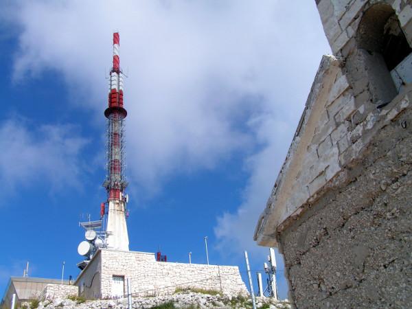 Vysielač na vrchole hory Sv. Jure.