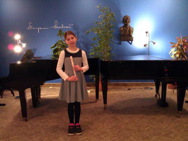 Prvé verejné vystúpenie našej malej umelkyne.