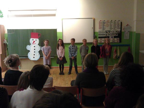 Vystúpenie žiakov 3.A na vianočnej besiedke.