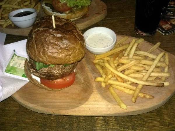 Hríbový burger na večeru.