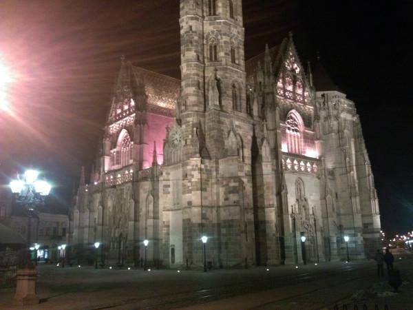 A ešte jeden nočný pohľad na dóm sv. Alžbety.
